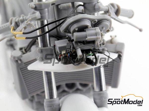 Image 13: Honda NSR500 - Campeonato del Mundo de Motociclismo 1989 | Set de mejora y detallado en escala1/12 fabricado por Top Studio (ref.TD23144)