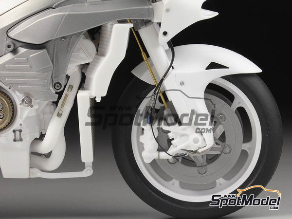 Image 4: Honda RC213V -  2014 | Detail up set in 1/12 scale manufactured by Top Studio (ref. TD23175)