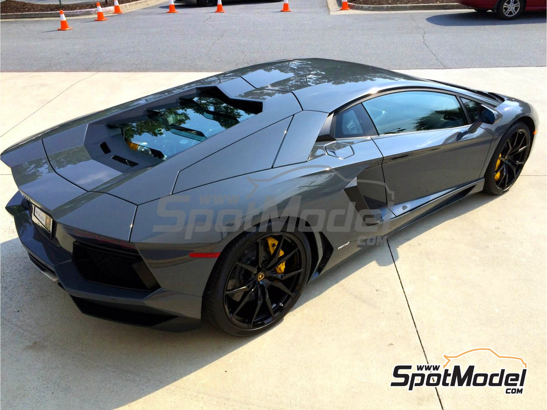 Image 1: Lamborghini Grigio Telesto - Code: 0098 - 1 x 60ml | Paint manufactured by Zero Paints (ref. ZP-1020-0098)
