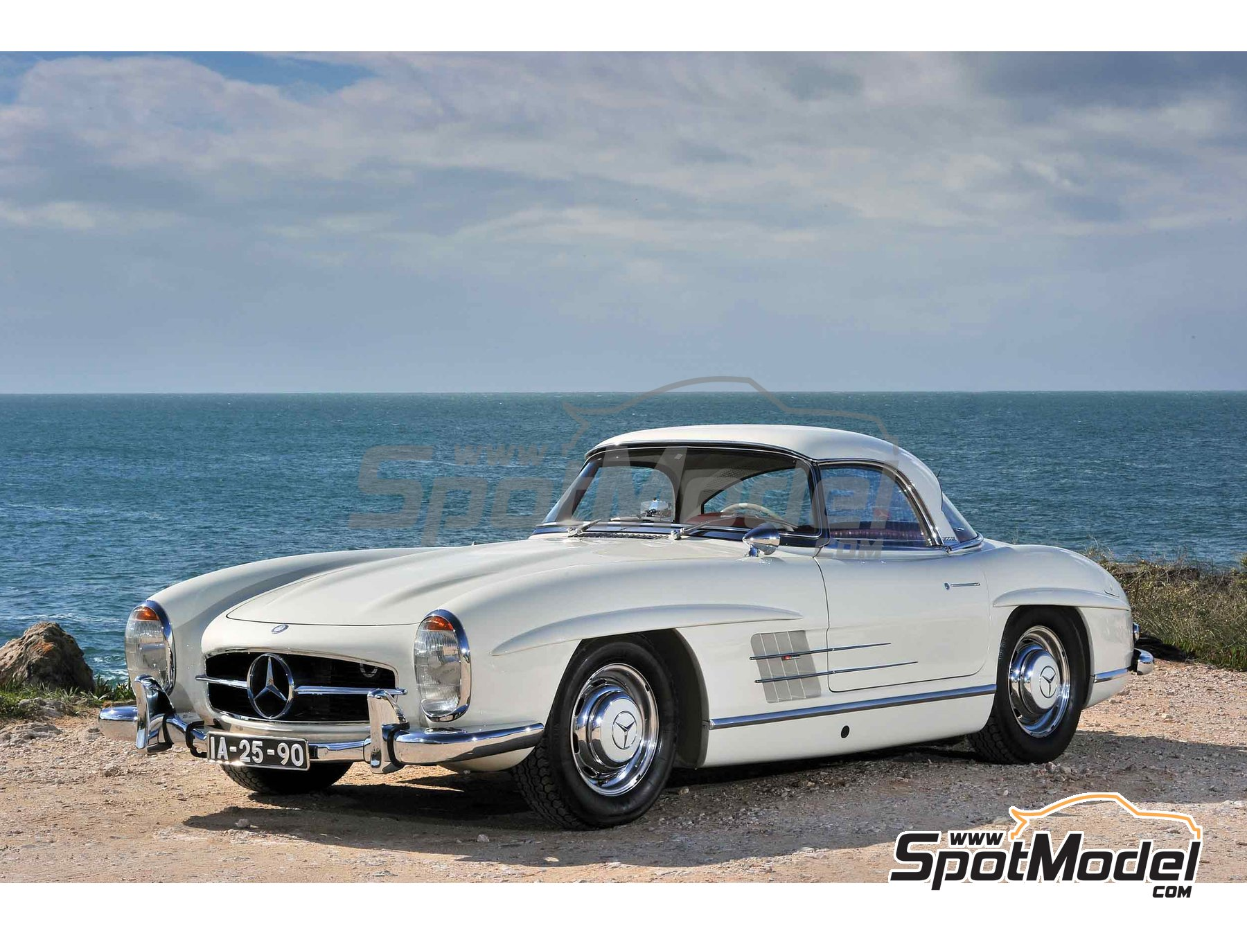 Image 1: White Weiss for Mercedes-Benz 300SL - Code: DB050 - 1 x 60ml | Paint manufactured by Zero Paints (ref. ZP-1296-DB050)