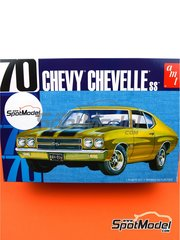 AMT: Model car kit 1/25 scale - Chevrolet Chevy Chevelle SS 1970 - plastic parts, rubber parts, water slide decals, assembly instructions and painting instructions