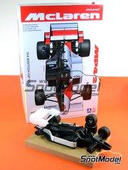Aoshima: Model car kit 1/20 scale - McLaren MP4/2 TAG Porsche Marlboro #7, 8 - Niki Lauda (AT), Alain Prost (FR) - British Grand Prix 1984 - plastic model kit