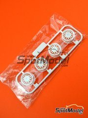 Beemax Model Kits: Spare part 1/24 scale - BMW M3 E30: Parts W - plastic parts - for Beemax Model Kits reference B24007
