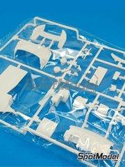 Belkits: Pieza de reemplazo escala 1/24 - Ford Fiesta RS WRC: Piezas C - piezas de plástico - para la referencia de Belkits BEL-003
