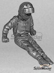 Denizen: Figura escala 1/43 - Piloto saliendo del coche