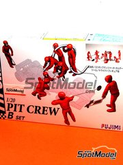 Fujimi: Figures set 1/20 scale - Pit crew - B - plastic parts, water slide decals and assembly instructions