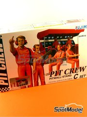 Fujimi: Figures set 1/20 scale - Pit crew pitwall stand C Set - plastic parts, water slide decals and assembly instructions