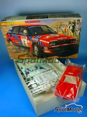 Hasegawa: Model car kit 1/24 scale - Lancia Delta HF Integrale 16v