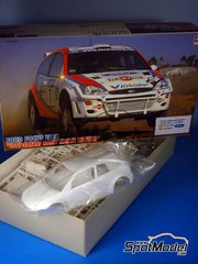 Hasegawa: Model car kit 1/24 scale - Ford Focus 1999 Safari