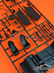 Italeri: Spare part 1/24 scale - Ford Escort Mk. II RS1800: Sprue B - plastic parts - for ESCI references 3009, 3021 and 3049, or Italeri reference 3655, or Revell reference REV07374