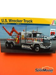 Italeri: Model truck kit 1/24 scale - US Wrecker truck - plastic parts, rubber parts, water slide decals, assembly instructions and painting instructions