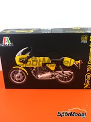 Italeri: Model bike kit 1/9 scale - Norton Commando PR 750cc #18 - metal parts, plastic parts, rubber parts, turned metal parts, water slide decals, other materials, assembly instructions and painting instructions