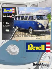 Revell: Model van kit 1/16 scale - Volkswagen Transporter T1 - plastic model kit