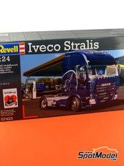 Revell: Maqueta de camión escala 1/24 - Iveco Stralis - piezas de plástico, piezas de goma, calcas de agua y manual de instrucciones