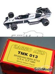 Tameo Kits: Maqueta de coche escala 1/43 - Brabham BMW BT53 Parmalat - Nelson Piquet (BR), Teo Fabi (IT) - Gran Premio de Fórmula 1 de USA 1984 - fotograbados, piezas de goma, piezas de metal torneado, calcas de agua, piezas de metal blanco y manual de instrucciones