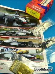 Tameo Kits: Model car kit 1/43 scale - McLaren Mercedes MP4/13 West #9, 10 - Mika Häkkinen (FI), David Coulthard (GB) - Australian Formula 1 Grand Prix 1998 - photo-etched parts, turned metal parts, water slide decals, white metal parts and assembly instructions