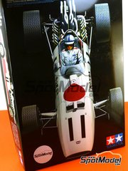Tamiya: Model car kit 1/12 scale - Honda RA273 #11, 12, 18 - Richie Ginther (US), John Surtees (GB) - FIA Formula 1 World Championship 1967 - maqueta de plástico image