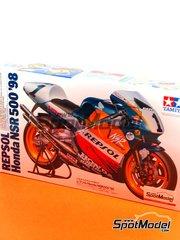 Tamiya: Maqueta de moto escala 1/12 - Honda NSR500 Repsol Nº 1, 2, 4 - Michael 'Mick' Doohan (AU), Alex Criville (ES), Tadayuki 'Taddy' Okada (JP) - Campeonato del Mundo 1998 - maqueta de plástico