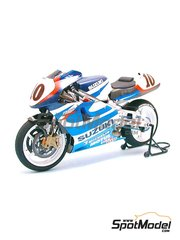 Tamiya: Model bike kit 1/12 scale - Suzuki RGV-Gamma XR-89 Michelin #9, 10 - Kenny Roberts (US), Takuma Aoki (JP), Yukio Kagayama (JP) - World Championship 1999 - plastic model kit