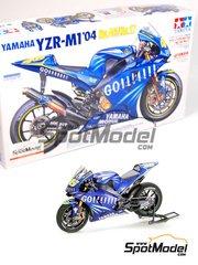 Tamiya: Maqueta de moto escala 1/12 - Yamaha YZR-M1 Nº 46, 17 - Valentino Rossi (IT), Norifumi 'Norick' Abe (JP) - Campeonato del Mundo 2004 - maqueta de plástico