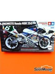 Tamiya: Maqueta de moto escala 1/12 - Honda NSR250 Ajinomoto Nº 6 - Masahiro Shimizu (JP) - World Road Race 1990 - piezas de plástico, piezas de goma, calcas de agua, otros materiales, manual de instrucciones e instrucciones de pintado