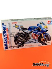 Tamiya: Model bike kit 1/12 scale - Yamaha YZR-M1 Fiat #46, 99 - Valentino Rossi (IT), Jorge Lorenzo (ES) - World Championship 2009 - paint masks, plastic parts, rubber parts, water slide decals and assembly instructions