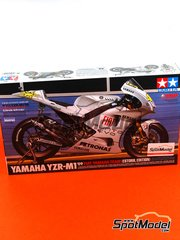 Tamiya: Model bike kit 1/12 scale - Yamaha YZR-M1 Fiat #46, 99 - Valentino Rossi (IT), Jorge Lorenzo (ES) - Portuguese Moto GP Grand Prix 2009 - paint masks, plastic parts, rubber parts, other materials and assembly instructions
