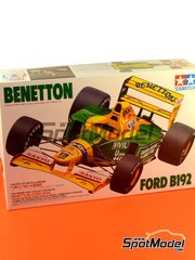 Tamiya: Model car kit 1/20 scale - Benetton Ford B192 Mobil1 #19, 20 - Michael Schumacher (DE), Martin Brundle (GB) - FIA Formula 1 World Championship 1992 - plastic model kit