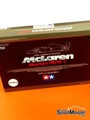 Tamiya: Maqueta de coche escala 1/20 - McLaren Honda MP4/7 Courtaulds Nº 1, 2 - Ayrton Senna (BR), Gerhard Berger (AT) - Campeonato del Mundo de Formula1 1992 - maqueta de plástico
